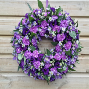 Lisianthus & Carnation Wreath