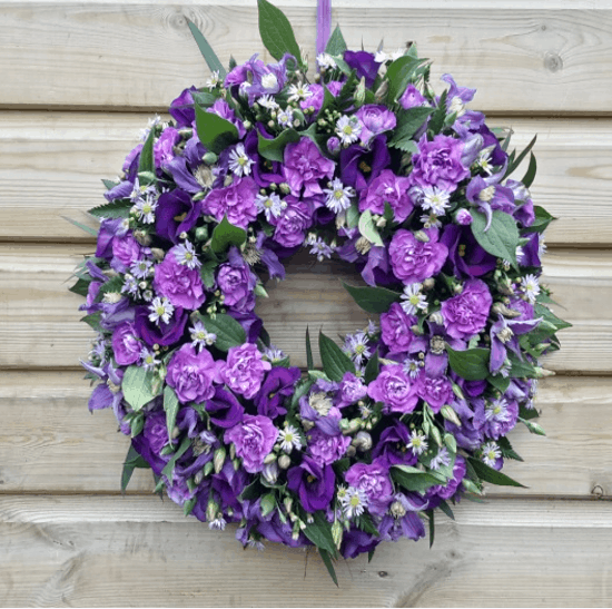 Lisianthus & Carnation Wreath