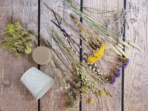 dried flower arranging kit DIY-florist-dried flowers-post-gift