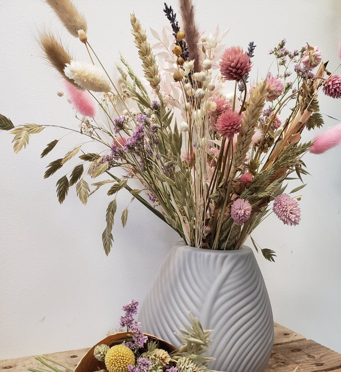 dried flowers-bunny tails-pampas grass-flower gifts-flowers by post